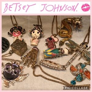 12 Betsey Johnson 💋 Large Necklaces/Pendants
